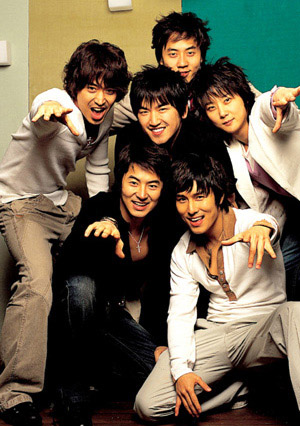 http://shinjiyoung.files.wordpress.com/2008/12/shinhwa.jpg